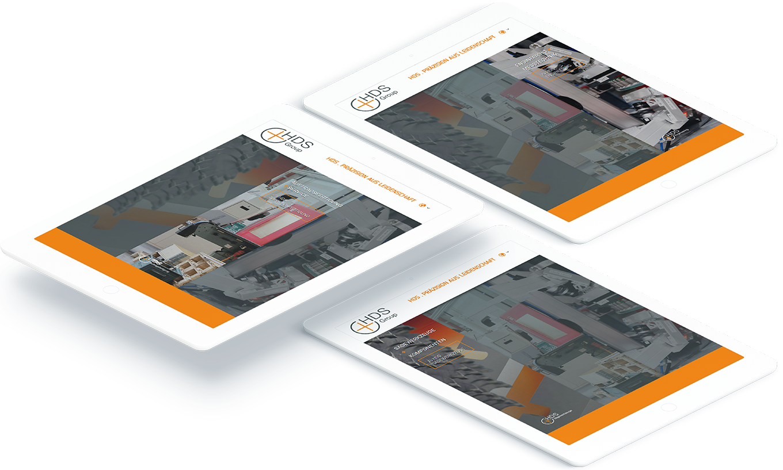 Drei weißte Tablets zeigen verschiedene Seiten der HDS-Group Website